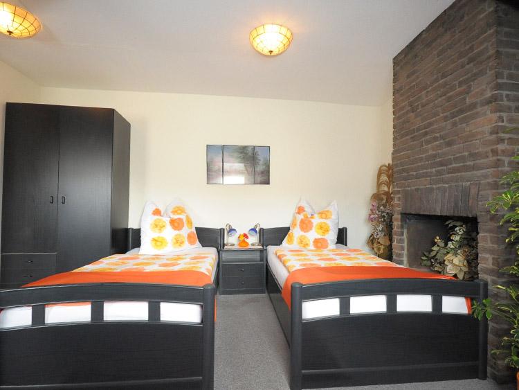 bildergalerie ihre pension galerie in bremen neustadt und ferienwohnungen in schweden freuen. Black Bedroom Furniture Sets. Home Design Ideas